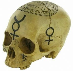 Witchcraft Skull Pagan Wiccan Sculpture Ornament Gothic Decor